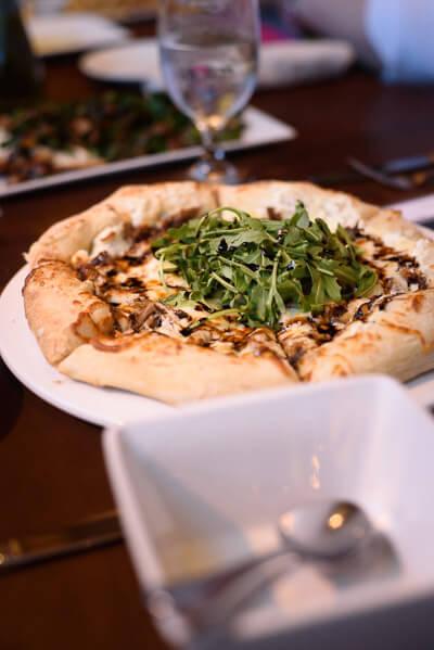 balsamic-arugula-pizza