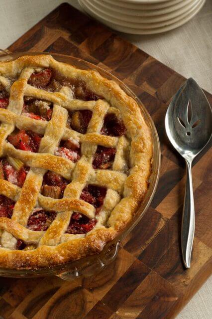 strawberry-rhubarb-pie-19