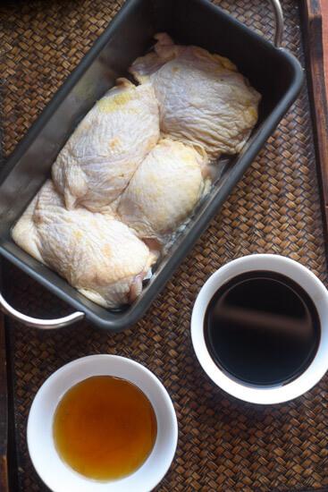Balsamic Caprese Chicken Thighs
