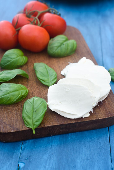 tomato-basil-mozzarella-chicken