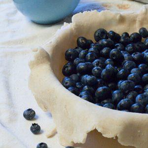 Easy Flaky Pie Crust Recipe (Step by Step Tutorial & Tips)