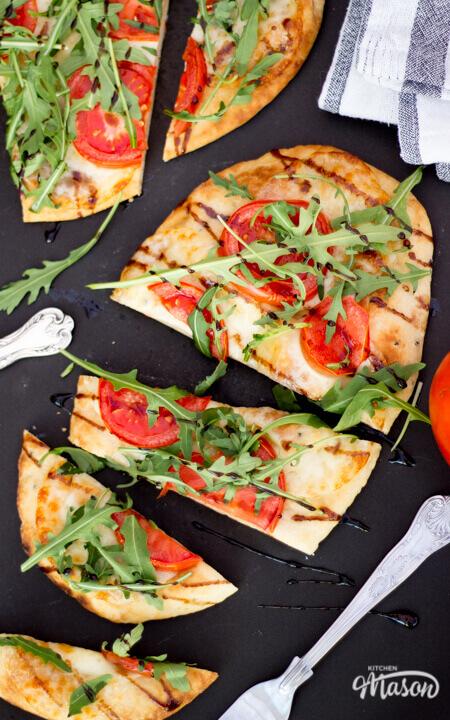 15 Minute tomato Mozzarella pizza