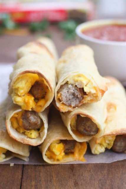 egg and sausage breakfast taquitos recipe