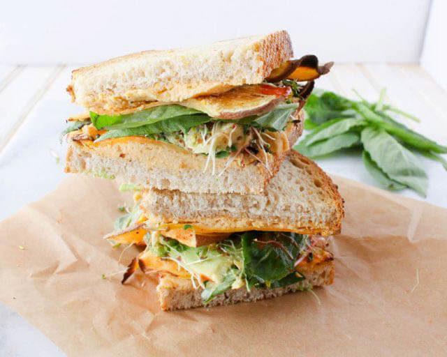 Favorite Veggie Sandwich Hummus