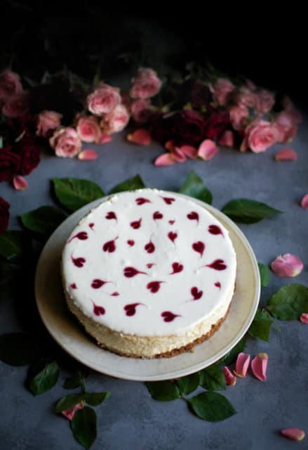 mini cheesecake with jam hearts