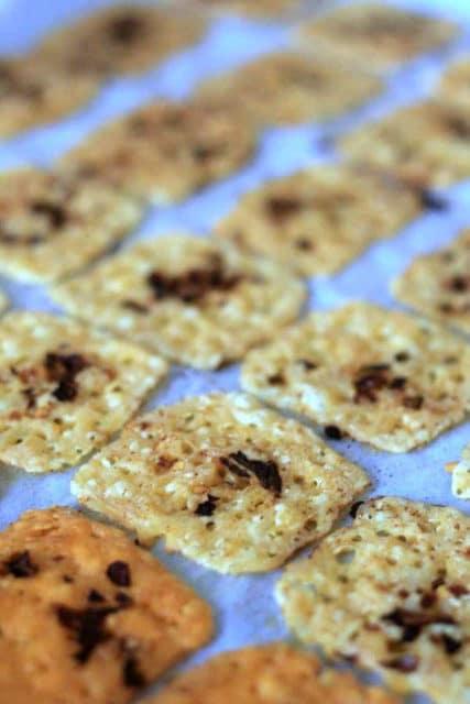 keto cheese crackers
