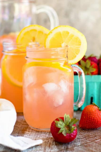 2 ingredient vodkas strawberry lemonade drink