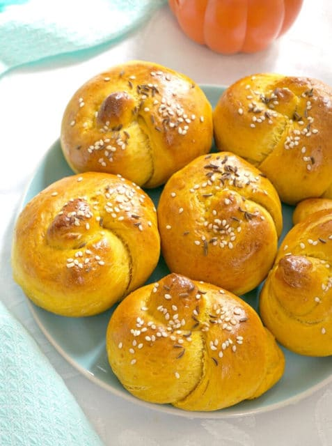 Knotted Pumpkin Dinner Rolls Recipe