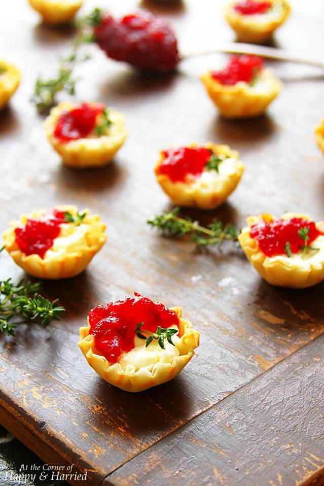 cranberry cream cheese bites, Christmas party food ideas