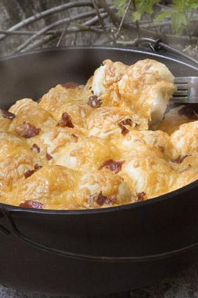 Dutch-Oven-Bacon-Cheese