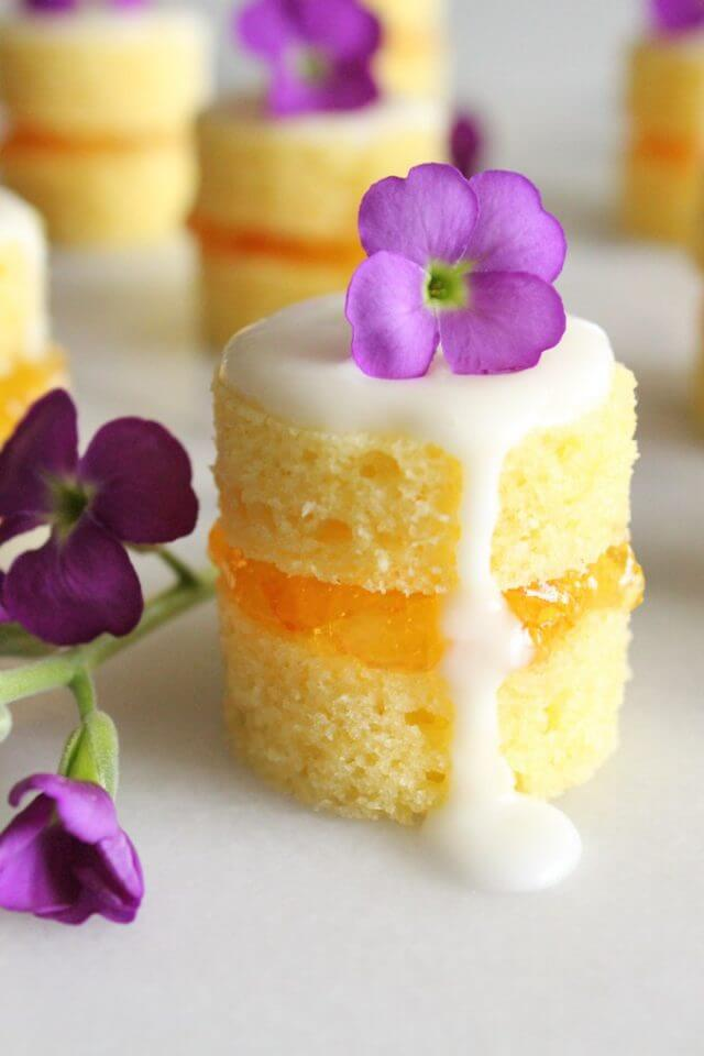 29 Mother's Day Cakes to Make Mom Smile