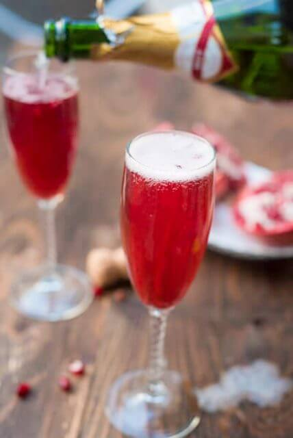 pom-champagne-cocktai