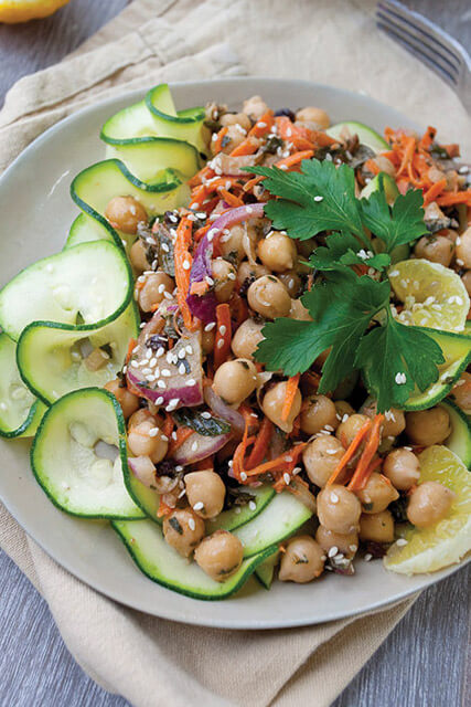 ZUCCHINI-NOODLE-SALAD-WITH-MOROCCAN-CHICKPEAS