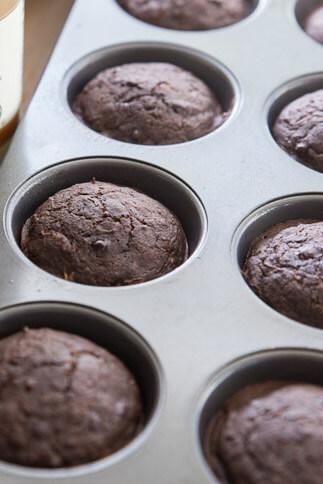 bakery-style-healthy-chocolate-zucchini-muffin