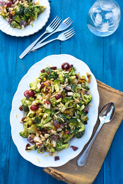 crunchy-broccoli-salad-with-grapes-and-bacon