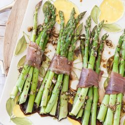 healthy-asparagus-proscuitto-bundles