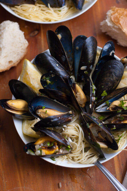 mussels-spicy-pasta