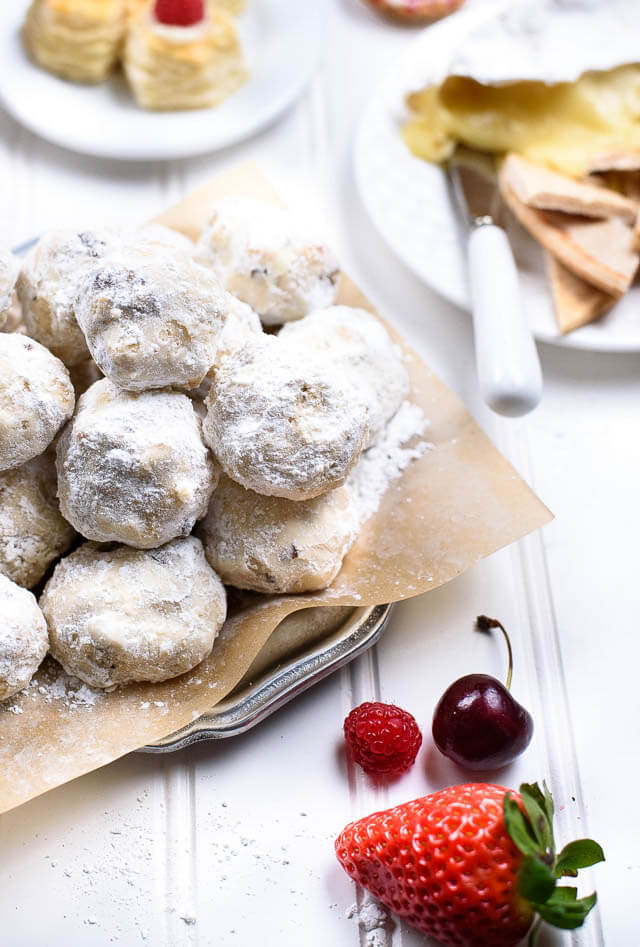Russian tea cakes, party food ideas roundup