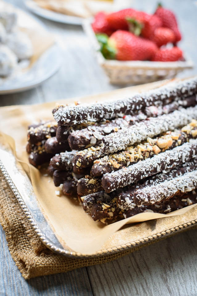 chocolate covered pretzel rods, party foo ideas roundup
