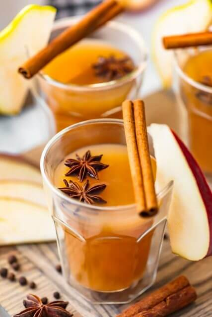 Spiced par cider with ginger, 15 COCKTAILS TO KEEP YOU WARM THIS WINTER