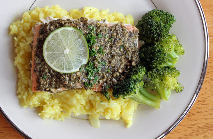 Pesto Lime Salmon With White Wine Risotto: This delicious meal is gluten and dairy free and is super easy to make!