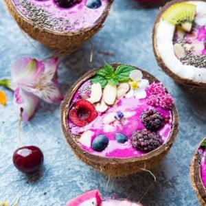 Dragonfruit Smoothie Bowls