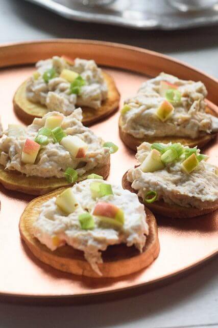 roasted-garlic-chicken-salad-bites-2