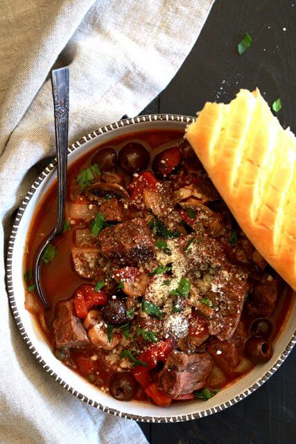 Slow Cooker Recipes That Will Make Your Family Think You Re A Super Human The Adventure Bite