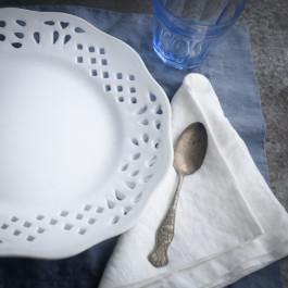 white-linen-napkins