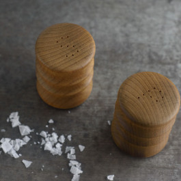 wood-salt-and-pepper-shakers