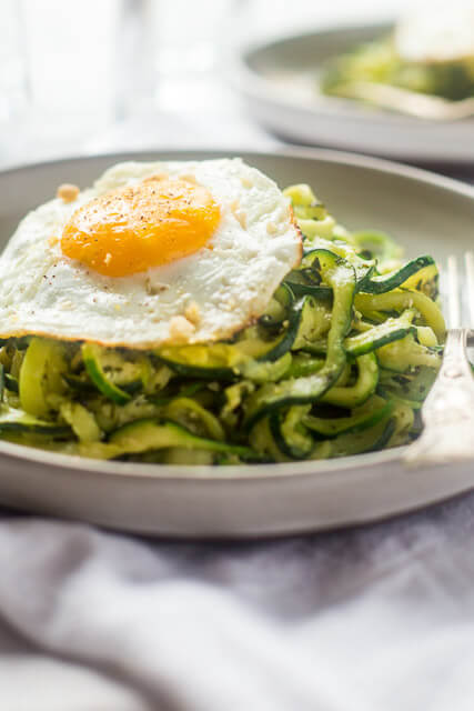 zucchini-noodles-pesto